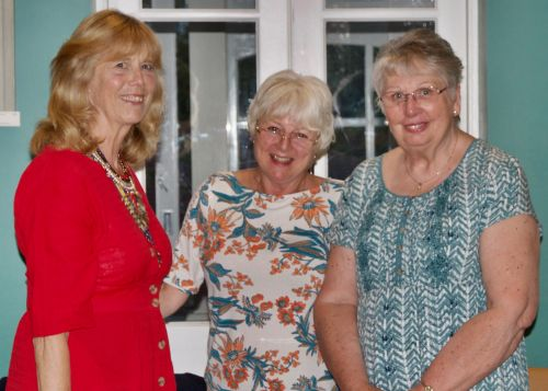 Joint past chairman Linda Short & Pat Barnes had over the chain of office to Anni Bignold.