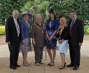 Lynn, Sheila Halliday Pegg, the Graingers and Rotary Pres Louise Henderson and her husband